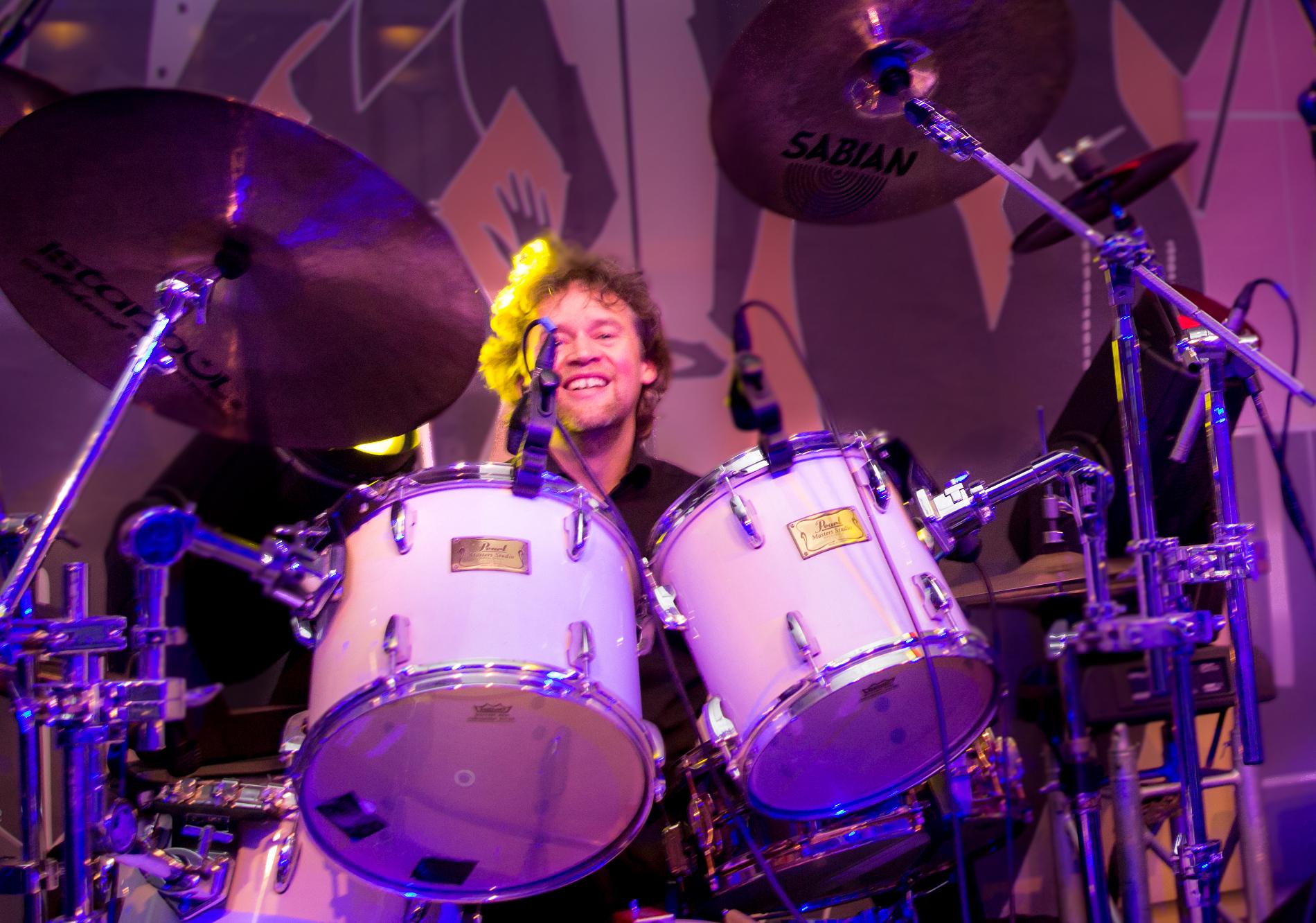 Mario Brüninghaus on drums, Schlagzeuger Köln