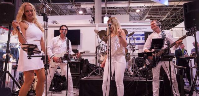Messe Party, Unsere Coverband und Partyband bei einer Messe Veranstaltung in Düsseldorf (Wire Messe)