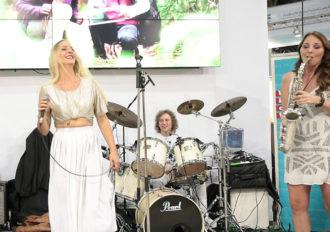 Bei einer Standparty auf der Messe Düsseldorf mit unserer Live Band